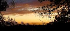 Atardecer ................ XT.VP 75 (valorphoto.1) Tags: seleccioónvp paisaje natural nubes atardecer sunset color cielo sky cel photodgv