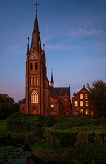 Church in Nederhorst den Berg at sunset (Julysha) Tags: church nederhorstdenberg sunset evening architecture d850 sigma241054art thenetherlands 2018 september autumn nikon dxo