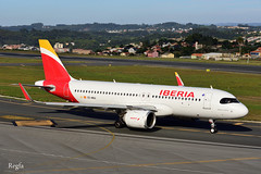 A Coruña (REGFA251013) Tags: avion airbus320neo airbus 320 iberia plane aeropuerto madrid galicia coruña