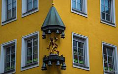 2018 - Germany - Munich - Artemis Lehrinstitu Building (Ted's photos - For Me & You) Tags: 2018 cropped germany munich münchen nikon nikond750 nikonfx tedmcgrath tedsphotos vignetting artemislehrinstitu artemislehrinstitumünchen artemislehrinstitumunich windows