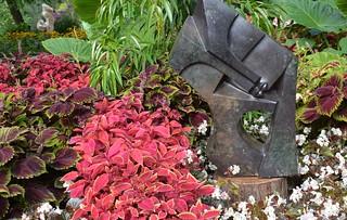Lovers by Luckmore Joseph, Cobalt Stone, ZimSculpt, Edwards Gardens, Toronto Botanical Garden, Don Mills, North York, Toronto, ON