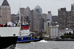 r_180909260_beat0075_a (Mitch Waxman) Tags: 2018greatnorthrivertugboatrace hudsonriver manhattan tugboat workingharborcommittee newyork
