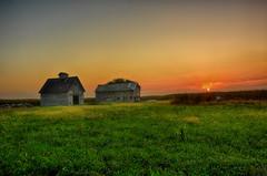 Sunrise at the Barn and Crib (kendoman26) Tags: hdr nikhdrefexpro2 niksoftware nikon nikond7100 tokinaatx1228prodx tokina tokina1228 barn crib ruralscene ruralamerica grundycountyillinois