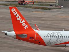 EasyJet / Airbus A320-214 / OE-IJB (vic_206) Tags: easyjet airbusa320214 oeijb bcn lebl 250thairbuslivery