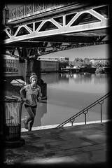 Toulouse NB (bataillou31) Tags: toulouse ville rue garonne nb personnage