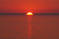 IMG_9469 (giltay) Tags: lakehuron sunset tamron135mmf28 sun lake