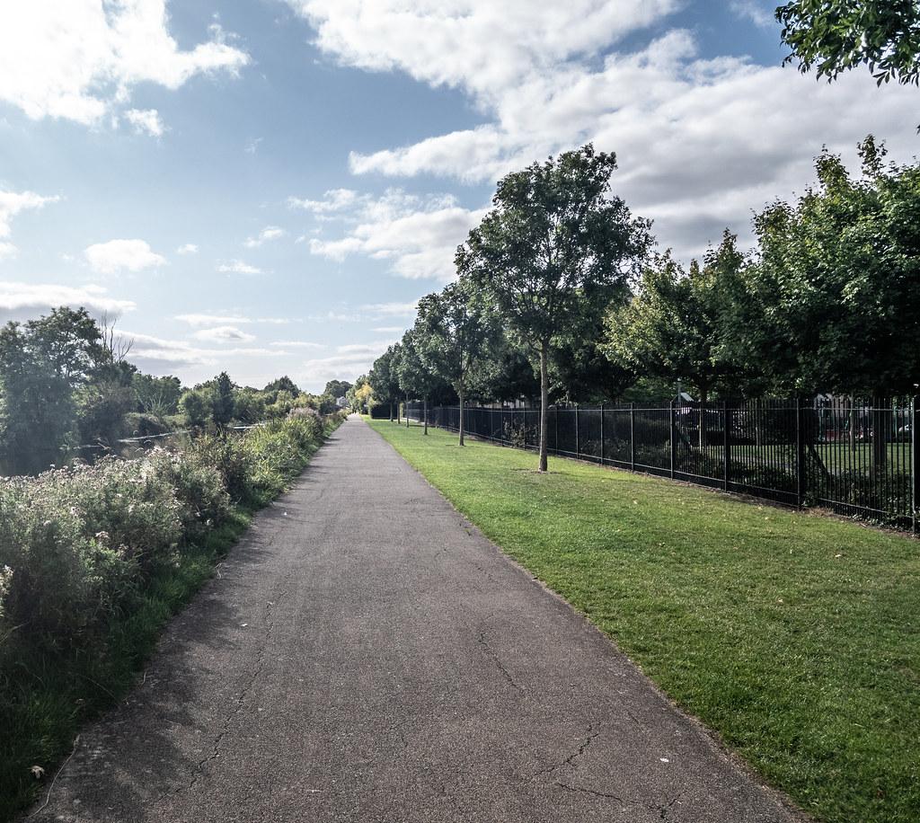 A WALK ALONG THE ROYAL CANAL [THE CRESCENT PARK AREA NEAR ASHTOWN]-143990