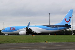 G-TAWU TUI BOEING 737 NEWCASTLE AIRPORT (toowoomba surfer) Tags: jet aeroplane aviation aircraft airline airliner ncl egnt