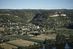Salvagnac-Cajarc (domingo4640) Tags: aveyron salvagnaccajarc loxia loxia85 loxia2485 paysage paysagecampagne village colline agriculture champ eau fleuve