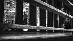 ruling (berberbeard) Tags: hamburg fotografie photography urban berberbeard berberbeardwordpresscom germany ilce7m2 itsnotatrick street primelens festbrennweite zeiss 35mm sony deutschland 35talifeproject 35mmprimelens 35x35 menschen people fixedfocallength fixedfocaljunkie schwarzweiss blackandwhite monochrome bnw