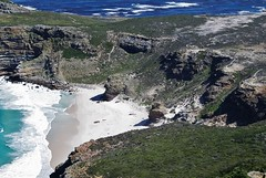 South African Seascape (Susan Roehl) Tags: southafrica2011 capetown southafrica landscape bay southatlanticocean coastalcity capitalwesterncapeprovince seatofparliament harbor tablemountain capepoint 10thmostpopulouscity multicultural tablebay eastindiacompany sueroehl photographictours taucktours pentaxk7 55300mmlens handheld lookingdown slightlycropped