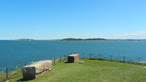 Boston, Hull seen from Georges Island [06.08.2013]