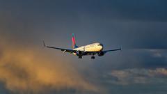 Delta Dusk Arrival into Anchorage (N1_Photography) Tags: delta dusk arrival anchorage airlines boeing 737932er n845dn panc 737