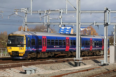 165137, Reading, March 18th 2017 (Southsea_Matt) Tags: 165137 class165 brel networker dieselmultiple dmu firstgreatwestern greatwesternrailway reading berkshire unitedkingdom england march 2017 spring canon 80d sigma 1850mm train railway railroad transport station