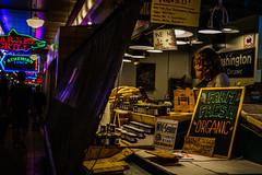 _DSC1000.jpg (jaғar ѕнaмeeм) Tags: pikeplacemarket streetphotography washington seattle street