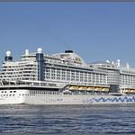 Passage cruiseschip AIDAPerla Maassluis 3 thumbnail
