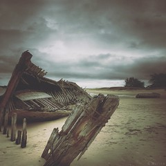 Remains (M a r i k o) Tags: iphone iphonex iphoneography iphonephotography mobile mobilephotography mariko square ship ships wreck wrecks wreckage shipwreck wrack remains beach clouds lemagouër étel plouhinec bretagne brittany france snapseed mextures