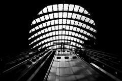 Canary Wharf (Howard Yang Photography) Tags: london underground subwaystation architecture bw blackandwhite