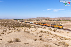 "Mistone ""in the american way"" (Fotografia Ferroviaria Digitale) Tags: up union pacific hodge cajon pass barstow hesperia helendale treno ferrovia usa train railway mixed freight manifest desert california"