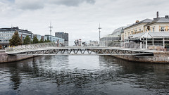 Bagers Bro (Håkan Dahlström) Tags: 2018 bagers bridge bro canal kanalen malmö people photography skåne sweden skånelän canoneos5dmarkii f56 1640sek ef1740mmf4lusm cropped 1002092018123304 gamlastaden se