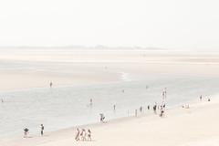 Le Crotoy / Baie de Somme (Mathieu Noel) Tags: lecrotoy baiedesomme somme picardie hautsdefrance river rivière plage beach people sand france manche englishchannel