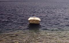 Das boat (•Nicolas•) Tags: 200iso analog color couleur film gold greece holidays island kodak leica m4p nicolasthomas vacances vintage boat bateau barque sea mer