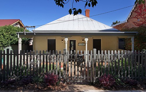 59 Upper St, Tamworth NSW 2340