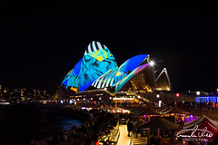 Vivid Sydney - Sydney Opera House (Theo Crazzolara) Tags: sydney sydneyoperahouse operahouse vividsydney vivid newsouthwales australia australien night city light festival highlight sightseeing winter