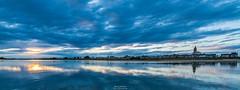 Couché de soleil sur la Loire (Loire-Authion - Saint-Mathurun sur Loire). (Guibs photos) Tags: 2018 loire maineetloire anjou paysdelaloire france loireauthion saintmathurinsurloire loirevalley canonef100400mmf4556lisiiusm canon manfrotto mt055xpro3 sunset couchédesoleil nature river fleuve