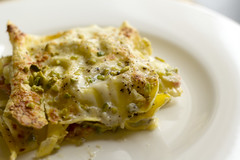 Lasagne with salmon, crabs and pistachios (Luca Nebuloni) Tags: pistachios lasagne salmon salmone granchio crabs mangiaconme food cibo