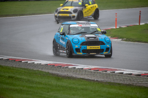 Brands Hatch MINI Festival Cooper S R3