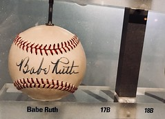 #BabeRuth #NewYorkYankees #YankeeStadium (Σταύρος) Tags: highbridge newyork souvenir mlb baseball baberuth newyorkyankees yankeestadium yankeesmuseum bronx thebronx stanton