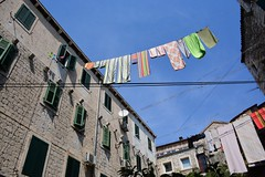 Fresh laundry (Split, Hrvatska 2018) (paularps) Tags: paularps beer ozujsko ozujskobeer hrvatska croatia kroatië flickr reizen travel europa europe 2018 culture nature sailing islandhopping unesco worldheritagesite adriatic adriaticcoast zeilen fietsen biking island islands