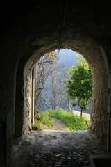 Il giardino incantato - Apricale 2016 - Imperia (barbaracoccigatti55) Tags: paesaggio panorama finestra sulla valle scorcio arco
