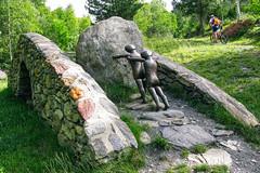 Vamos a la par (Micheo) Tags: markbrusse andorra bici bike cycling esculturas endless mtb btt colladodeordino bicicleta paralelismo puente stone piedra camino ruta