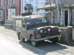Land Rover. (Andrew 2.8i) Tags: car cars classic classics carspotting street spot spotting offroad 4wd 4x4 s2 s2a series 2 ii 2a iia landrover british