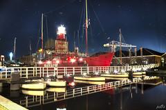 City harbour Den Helder (9) (pe0s, Steven) Tags: denhelder willemsoord night harbour haven port lightship ship vuurtoren lighthouse texel lichtschip schip stadshaven hdr