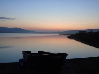 Kirbister loch as the sun goes down