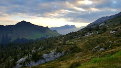 Day 26: First down then up (jaeschol) Tags: moutathal kantonschwyz morning morgen karst alpen alps