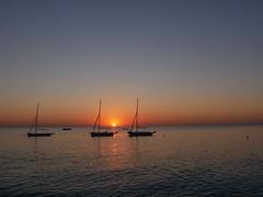 Lever de soleil (regniernicole) Tags: sea couleur color sun morning matin aube leverdesoleil mer soleil sunset