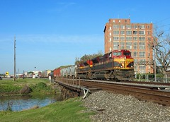 4186 + 4058, Sugarland TX, 23 March 2018 (Mr Joseph Bloggs) Tags: 4186 4058 kcs kansas city southern railway railroad train treno bahn emd electro motive division emdsd70ace sd70ace sd70 sugarland tx sugar land texas houston usa united states america manifest cargo freight