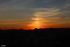 1.176 - Exact! dinner time (esnalar) Tags: ocaso puestadesol atardecer atapecer sol cielo nubes verano contraluz sunset sun sky clouds summer backlighting