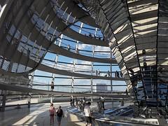 Coupole du reischtag.berlin. Architecte N.Foster (Mary--s) Tags: berlin reischtag coupole normanfoster