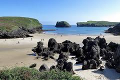 PLAYA DE SORRAOS - LLANES (1) (mflinera) Tags: playa de sorraos llanes asturias rocas mar costa arena
