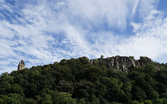 Wallace Monument on Abbey Craig (p.mathias) Tags: abbeycraig stirling scotland uk unitedkingdom europe scottish hill craig abbey wallace williamwallace history tree trees sony a5100