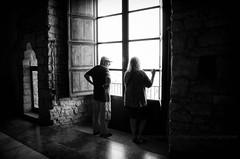 La finestra (encantadissima) Tags: castellodicaccamo caccamo palermo sicilia finestre windows people bienne