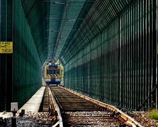 Ponte de ferro sob o rio Mondego