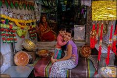 Happy.   Jodhpur (Claire Pismont) Tags: asie asia inde india rajasthan jodhpur pismont clairepismont colorful couleur color colour travel travelphotography documentory tender happy