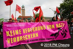 Rudolf-Heß-Gedenkmarsch 2018: Mord verjährt nicht! Gebt die Akten frei! Recht statt Rache  und Gegenprotest: Keine Verehrung von Nazi-Verbrechern! NS-Verherrlichung stoppen! – 18.08.2018 – Berlin –IMG_6047 (PM Cheung) Tags: rudolfhessmarsch wwwpmcheungcom berlin mordverjährtnichtgebtdieaktenfreirechtstattrache neonazis demonstration berlinspandau spandau friedrichshain hesmarsch rudolfhes 2018 antinaziproteste naziaufmarsch gegendemonstration 18082018 blockade npd lichtenberg polizei platzdervereintennationen polizeieinsatz pomengcheung antifabündnis rechtsextremisten protest auseinandersetzungen blockaden pmcheung mengcheungpo pmcheungphotography linksradikale aufmarsch rassismus facebookcompmcheungphotography keineverehrungvonnaziverbrechernnsverherrlichungstoppen antifaschisten mordverjährtnicht rudolfhesmarsch sitzblockaden kriegsverbrechergefängnisspandau nsdap nskriegsverbrecher geschichtsrevisionismus nsverherrlichungstoppen hitlerstellvertreterrudolfhes 17august1987 rathausspandau ichbereuenichts b1808 festderdemokratie verantwortungfürdievergangenheitübernehmen–fürgegenwartundzukunft rudolfhessmarsch2018 rudolfhesgedenkmarsch rudolfhesgedenkmarsch2018
