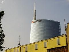 Contrasti. Milano (diegoavanzi) Tags: milano milan italia italy sony hx300 bridge lombardia lombardy grattacielo skyscraper unicredit torre tower